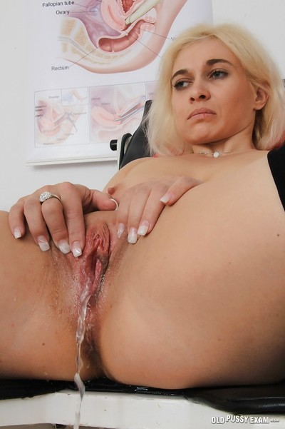 Average tit blond MILF Sandy getting her cunt elastic by her gyno