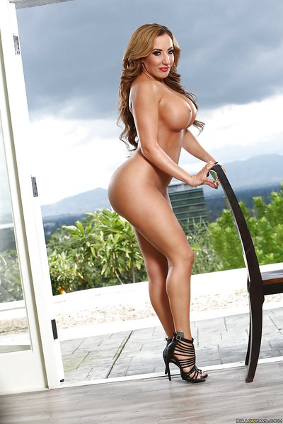 MILF housewife Richelle Ryan baring massive milk sacks outdoors for solo doll discharge