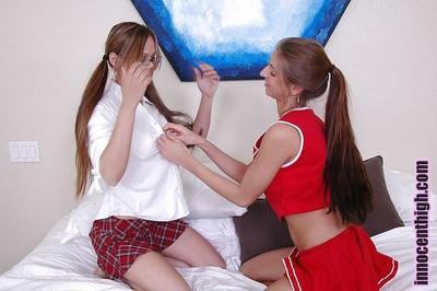 Mean schoolgirl amateur lesbian hotties Hunni and Veronica cunnilingus
