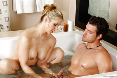 Curvy fairy mommy Sarah Vandella giving life partner a hand job in bathtub