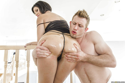 Latin hottie cougar Shay Fox has her biggest anus oiled up for anus smokin