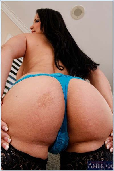 Sophia Lomeli is proud to jiggle her vast Latin butt for u