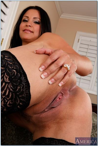 Sophia Lomeli is proud to jiggle her vast Latin butt for u