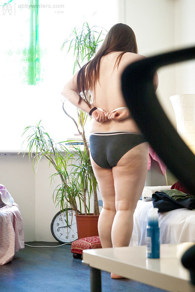Fatty Kayla T pulls on panties afterward modelling in the unclothed