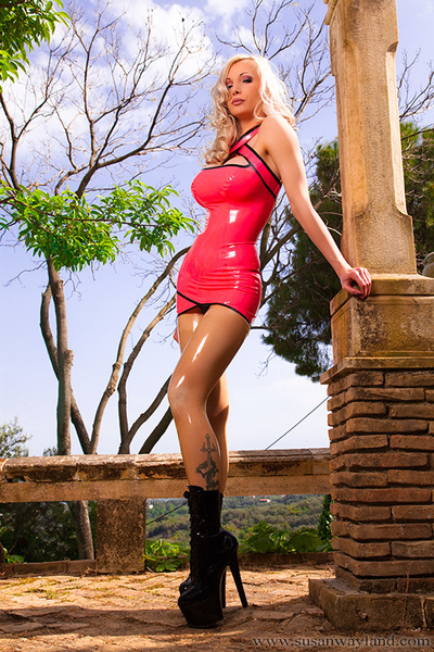 Attractive Spring Moments with 81 exquisite latex pictures.
