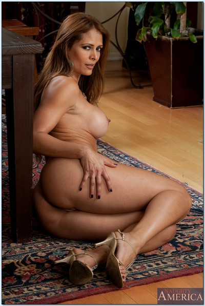 Sultry MILF Monique Fuentes removes clothes her gazoo and milk sacks from underclothes