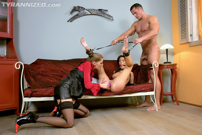 European lassie Suzy Ebon has a Fuck and play MMF with her partners