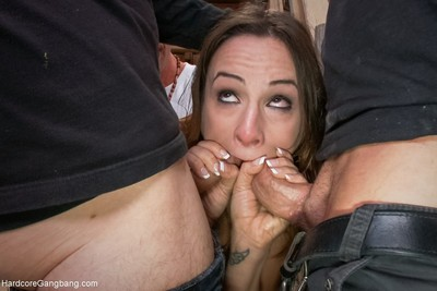 Anal courtesan amber rayne takes dual snakes in her ass!