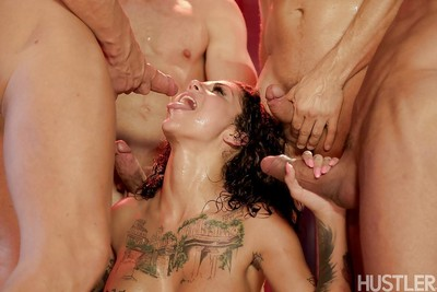 Inked pornstar Bonnie Rotten pleasing hardcore DP and cumshots in orgy