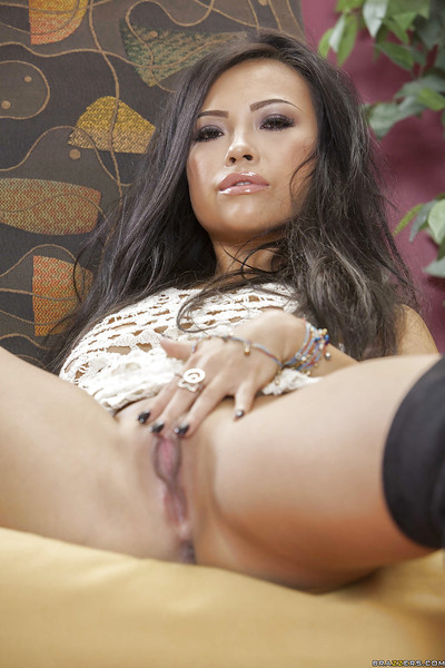 Wild Japanese chicito in boots Gia Grace uncovering her bewitching bends