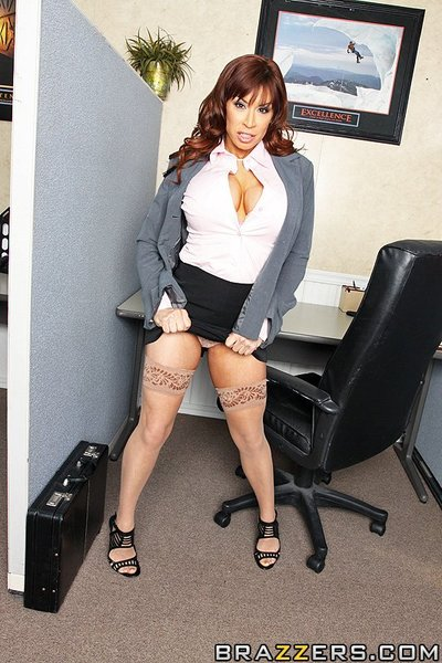When Devon catches her boss, Mr. Sins, voyeurism at her major tits, this babe settles on to enjoy a prank on him to special her revenge. However, when this babe discovers that Mr. Sins doesn t download her sense of humour and threatens to fire her, Devon