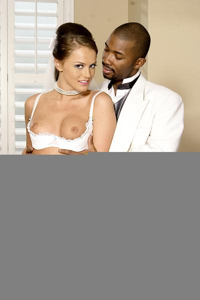 Sexually intrigued MILF cutie Tori Swarthy fitting a raw ebon shlong in her slit