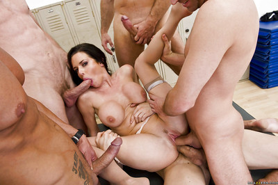 Damp MILF Veronica Avluv obtains blowbanged and bonked by four sexually aroused males