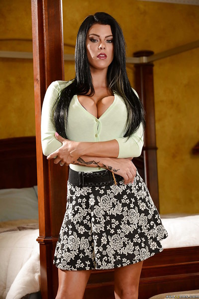 Buxom brunette hair wife Peta Jensen stripped off exposed to show off neat waste and gentile