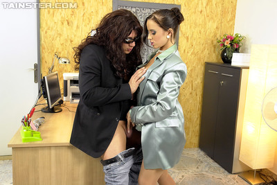 Perspired lady Cindy Dollar has some absolutely covered pecker swallowing and astonishingly getting joy