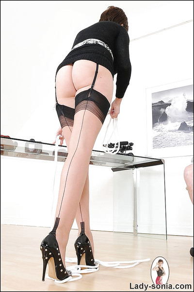 Unreal femdom cutie in nylons gives a hand gig to a fastened chap