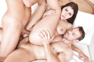 Italian pornstar Valentina Nappi getting face owned in MMF MMF