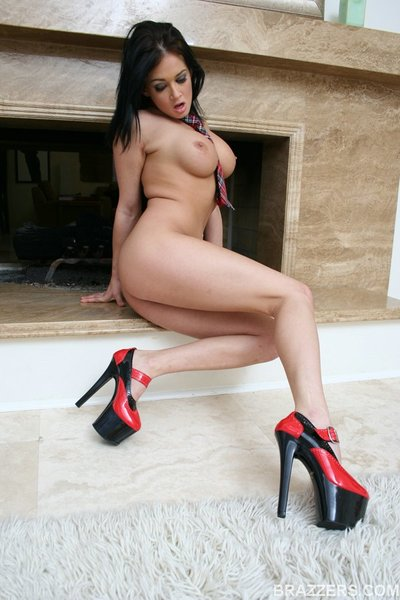 Sexually intrigued MILF Tory Lane on high heels fingers bawdy cleft and gives blowjobs