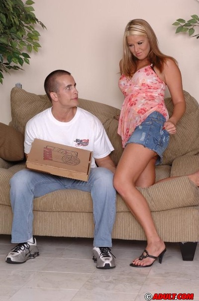 Hungry MILF benefits from involved loves hardcore enjoy with a appealing pizza-lad