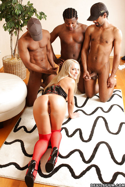 Chocolate dudes give Alisa an interracial groupie that babe won
