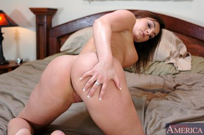 Curvy adolescent pretty Sarah Beth erotic dance from panties and swelling flaps