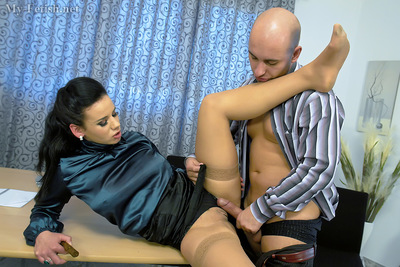 Seductive kink MILF is adores hardcore perfectly dressed twatting