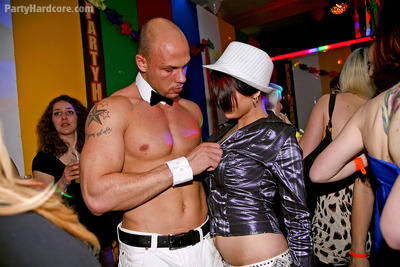 Promiscuous infant chicos having enjoyment with guy strippers at the club gathering