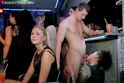 Hardcore partying courtesans benefits from raunchy at a gigantic act of love munch
