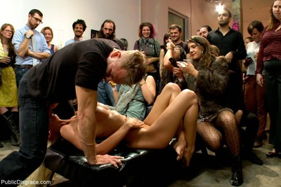 Fuckable art: massive titted fairy-haired bonked in a crowded gallery!
