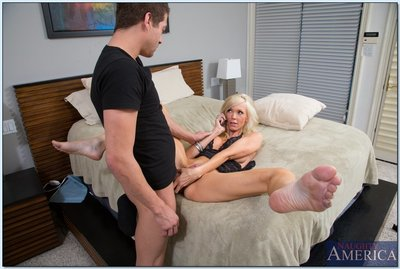 Sultry MILF Demi Dantric gains shagged during the time that talking on the phone