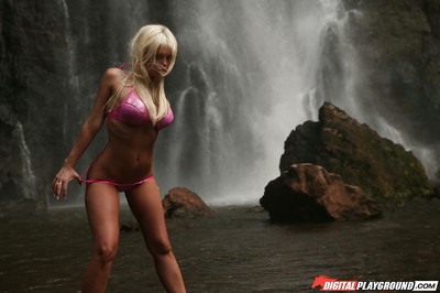 Slender wiry fairy-haired Jesse Jane shows off her amusing nude shape