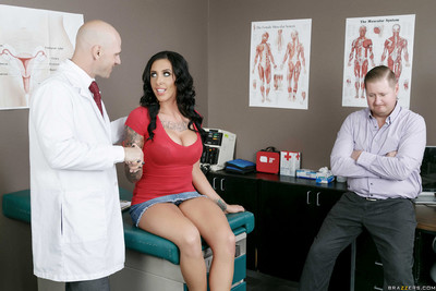 Austin lynn accepts her cum-hole probed by her doctors wang