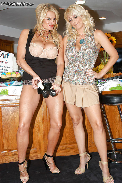 Groupsex with sweet blond milfs feat. boobsy Charlle Tag on
