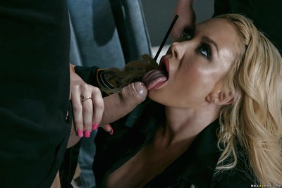 Fairy secretary Summer Brielle captivating DP banging in office