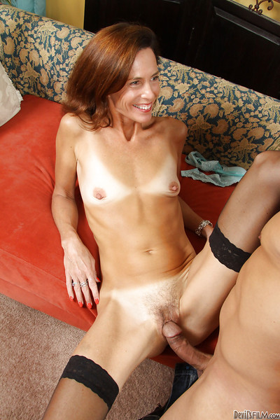 Ripe mamma with mini boobs purchases a enormous 10-Pounder in her shaggy slit
