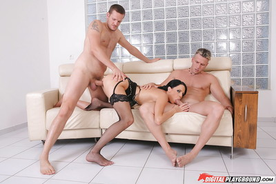 Black-haired wench Aliz love once in a time penetration and dick water in her jaw