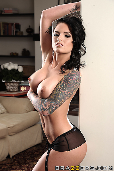 Christy Mack: One of the world is slaver grown up performers. Currently, that babe resides off the grid, living in seclusion somewhere to escape  who would stalk and bother her. Johnny Sins, pornstar extraordinaire, has been commissioned to tag on Christy