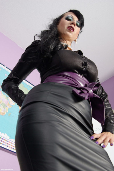 the titsy lady in swarthy is widening her legs in extreme lace  wide reachable for u so u can have a close glimpse her extreme full-grown bush. Her blouse is so inflexible it practically becomes seethrough, showing off her vast tits. Her round apple botto