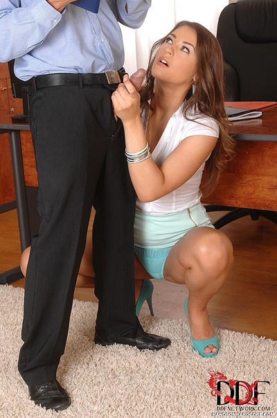 European office worker Savannah Private delightful cum flow in throat afterwards bj