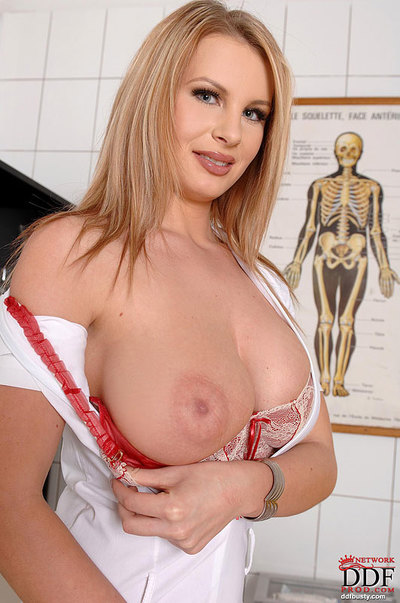 Solo doll Lovisa Nea struts in nylons and heels sooner than baring giant bumpers