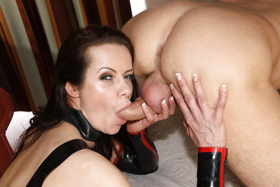 Darling milf pornstar in latex Amica Bentley is playing with his stick