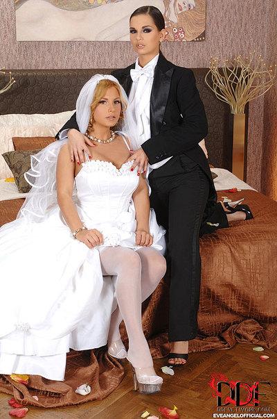 Eve Dear s Lesbo Wedding Night