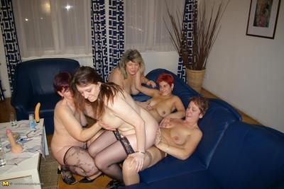 Melodious groupie gathering photos