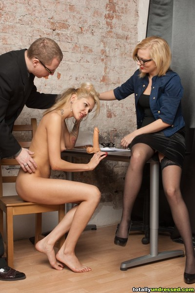 Extreme erotic dancing and phallus exchanger sexual act at the infatuation audition