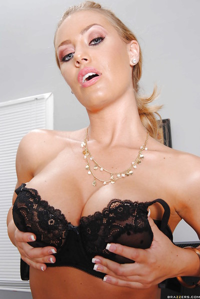 Frail queen Nicole Aniston removes clothes to none but nylons & heels