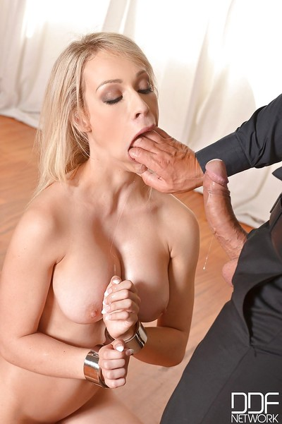 Clammy kink scene with a hawt golden-haired milf Chessie Kay act fellatio