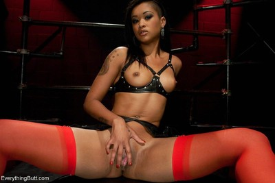 Skin diamond dominated and apple bottoms bonked in Male+Male+Female