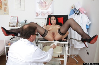 Spectacular chicito Greta is making her local doctor lustful as hell