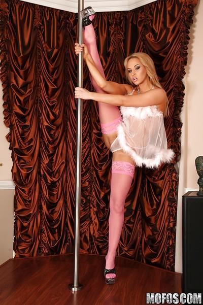 Flexy european gal Aleska Diamond performs a remarkable erotic dance