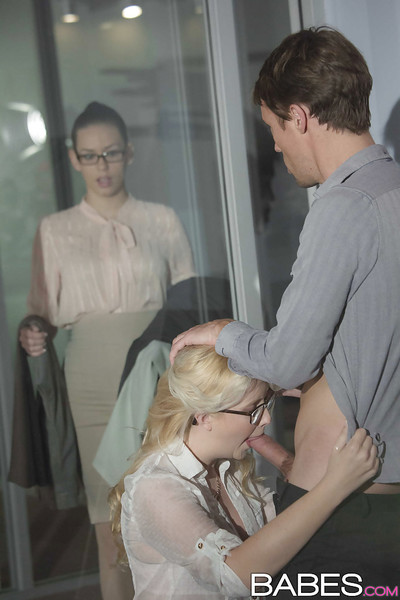 Damp fairy-haired secretary Samantha Rone engulfing and smoking snake in office